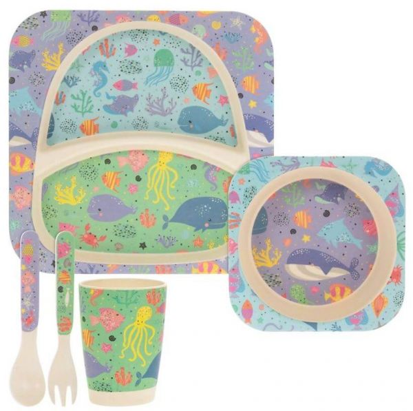 Lovely kids bamboo dinner set in sealife design. BPA and Phthalate free. Gift idea for baby showers and kids presents.