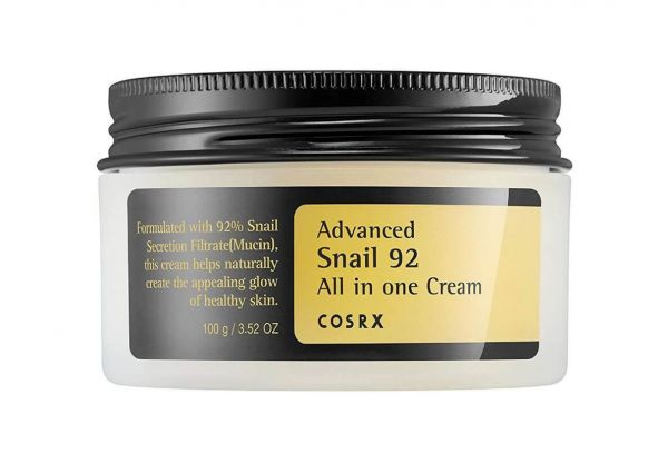 Cosrx Advanced Snail 92 All in One Cream is formulated with 92% snail secretion filtrate, which helps to repair the skin.