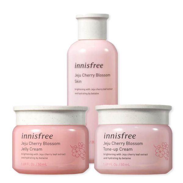 Innisfree Jeju Cherry Blossom Skincare Set helps to brighten skin, delivers deep hydration and keeps it smooth and glowy.