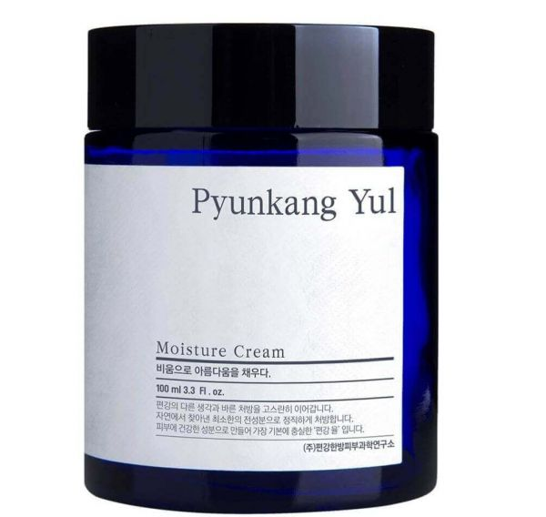 This Pyunkang Yul Moisture Cream delivers long lasting hydration to skin.